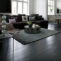 Black wooden flooring - Trends for winter 2017