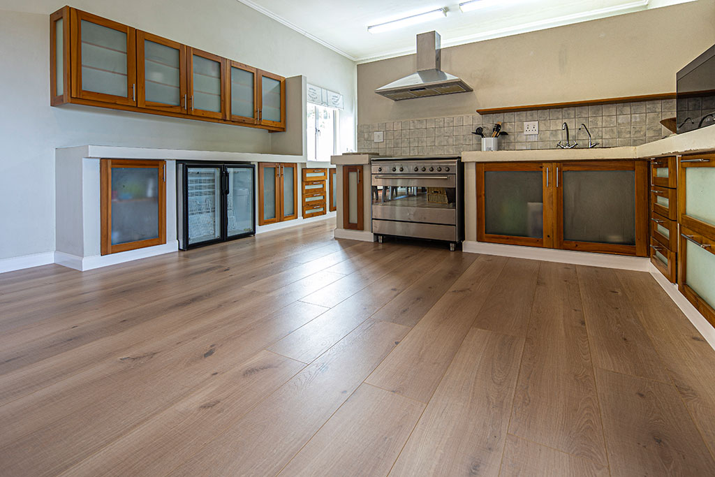 ifloors princes Grant farm style kitchen flooring